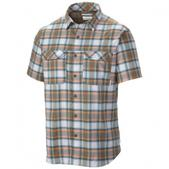 Columbia Men`s Royce Peak II Plaid Short Sleeve Shirt (WET SAND, M)