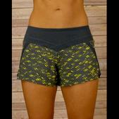RYU Women's Stellar 2N1 Short Black Yellow With Print