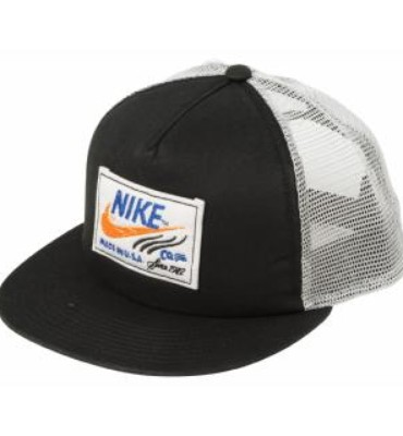 Nike 6.0 Unisex Labeled Trucker Snapback Hat  a16eeec6223